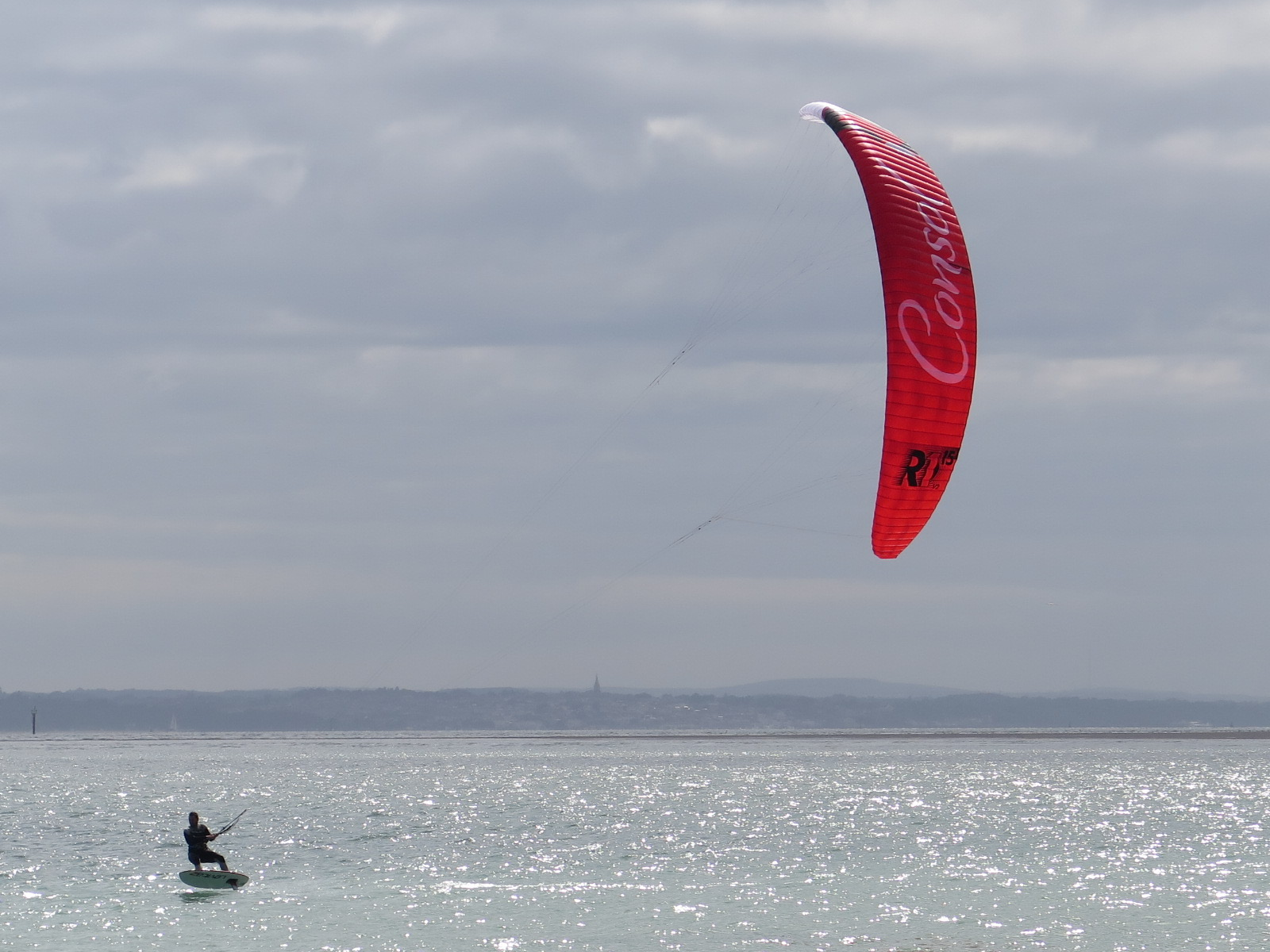 Kite Surfer Hayling Island Seafront – 24/17